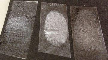 家庭でトライ!! 指紋の採取をしてみよう!(ガラスコップについた指紋を検出する実験)